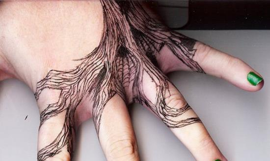 14-Tattoo-Inspired-Hand-Tree-C.U1