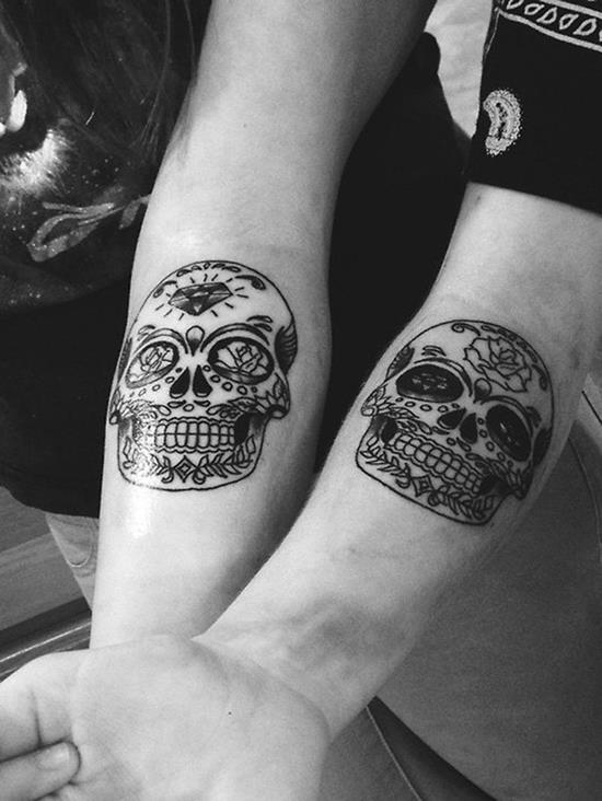 16-skull-matching-tattoos