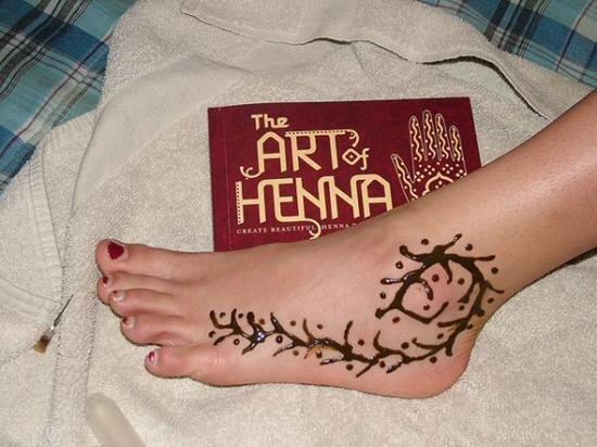 20-foot-henna-art600_450