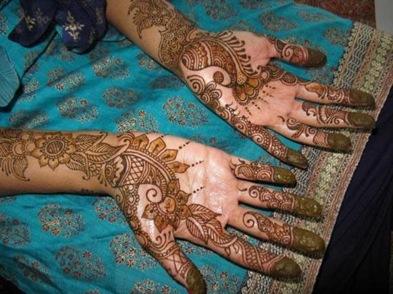 35-arabic-mehndi-designs-for-hands600_450