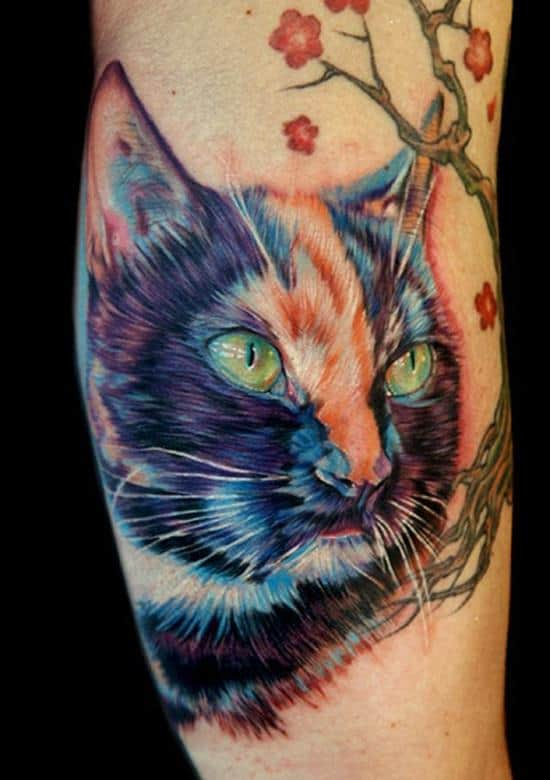 44-Realistic-cat-tattoo-on-leg