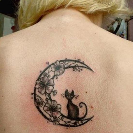 48-Small-moon-tattoo1