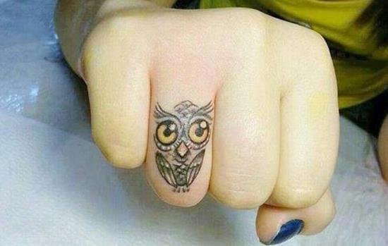 51-Owl-tattoo-on-finger1