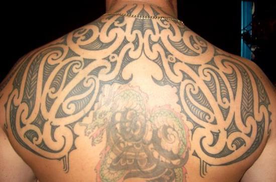 maori-back-tribal-tattoo
