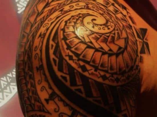 maori-tattoo-polynsien