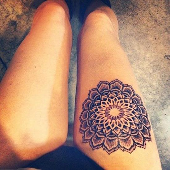 sexiest-thigh-tattoos-40