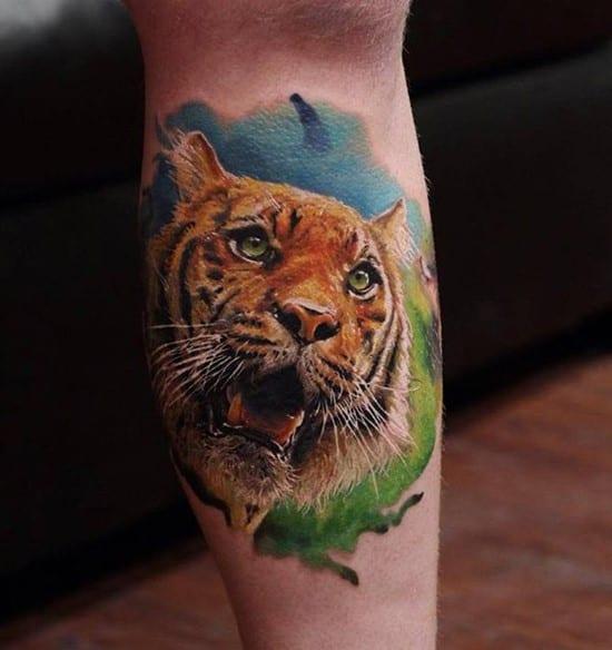 realistic tiger tattoo on leg