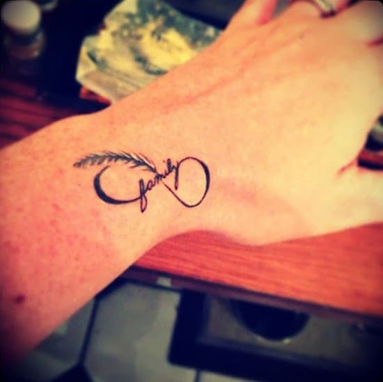 26-Cute-small-infinity-tattoo-for-girls