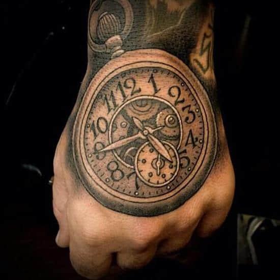 26-clock-on-hand