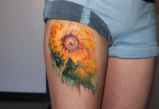 34-sunflower-thigh-tattoo