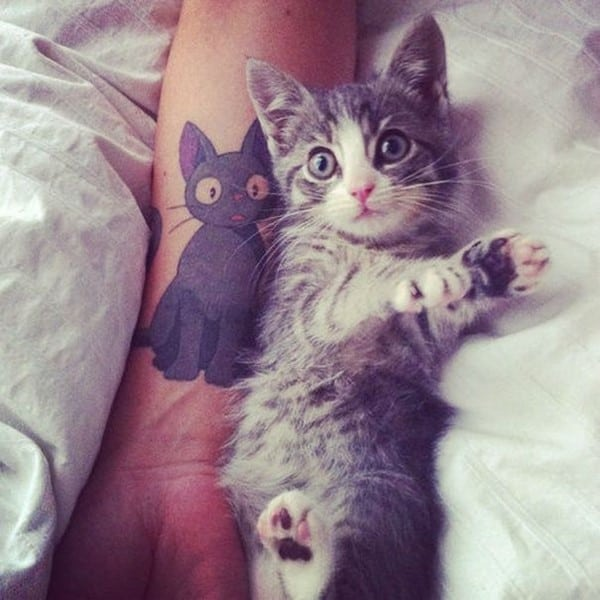 AD-Minimalistic-Cat-Tattoos-32