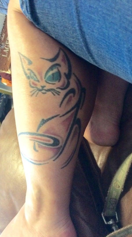 AD-Minimalistic-Cat-Tattoos-80
