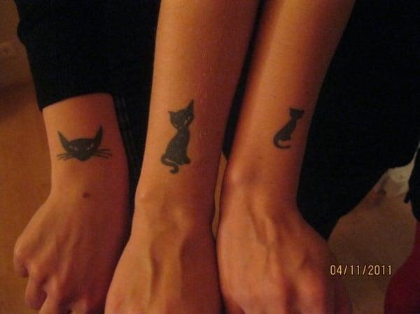 AD-Minimalistic-Cat-Tattoos-85