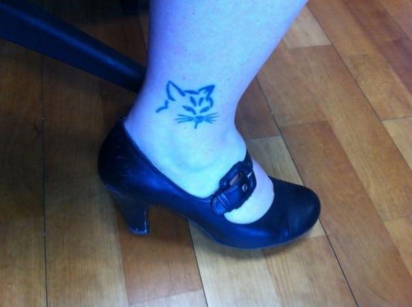 AD-Minimalistic-Cat-Tattoos-88