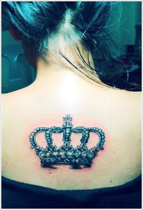 Cool-Crown-Tattoo-on-the-Back-for-Women