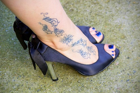 Cool-Musical-Notation-Ankle-Tattoo