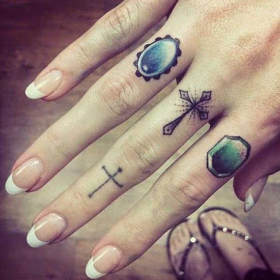 Cross tattoos designs ideas men women best (24)