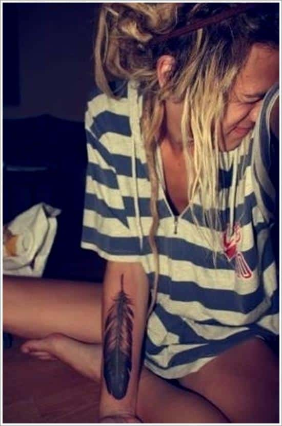 Feather-Tattoo-Designs-30