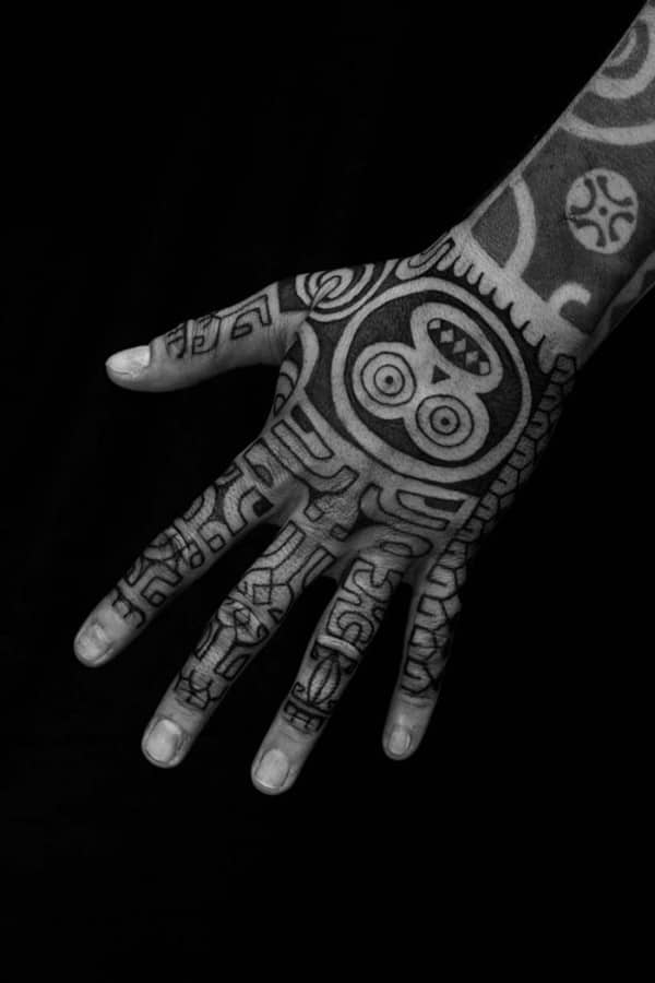 Hand-Fingers-tribal-tattoo-design-650x975
