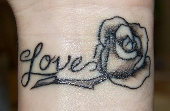 Rose-tattoos-on-wrist