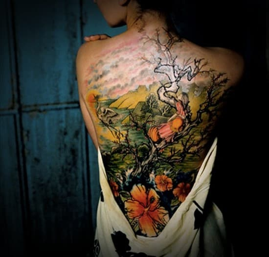 Sexy-Lower-Back-Tattoos-for-Women-23
