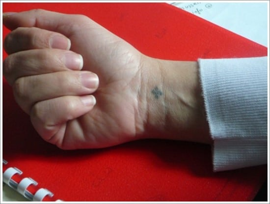 Small-Cross-Tattoos-Wrist-1024x768