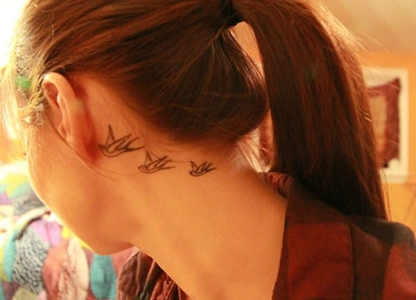 behind-the-ear-tattoos28