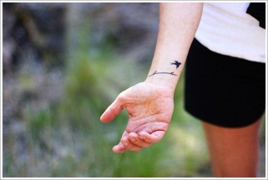 bird-wrist-tattoo-4