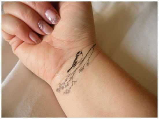 bird-wrist-tattoo