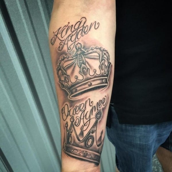 crown-tattoo-36-650x650