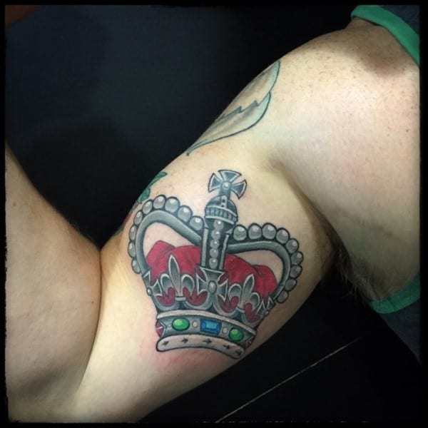crown-tattoo-4-650x650