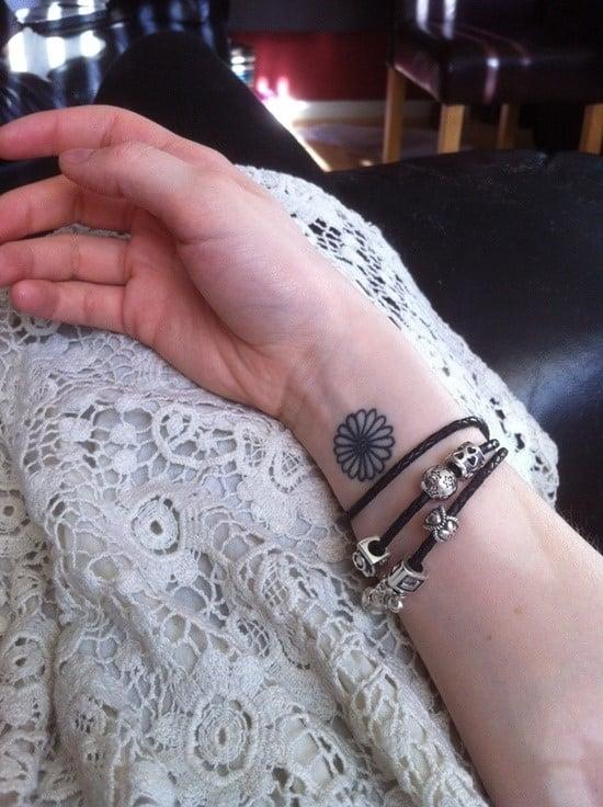 daisy-tattoo-21