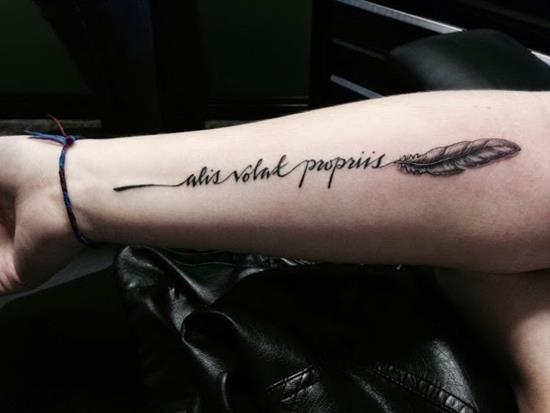 150 Most Beautiful Feather Tattoos And Meanings (April