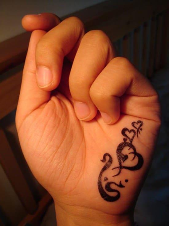 hand-tattoos-2