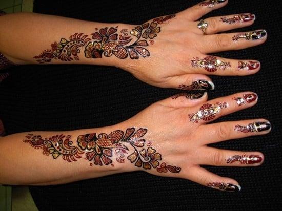 hand-tattoos-22
