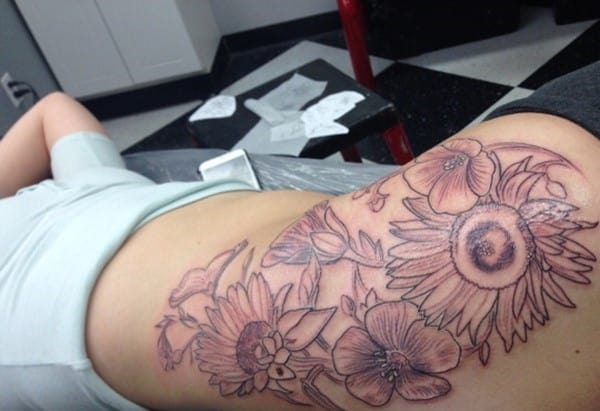 hip_tattoos_22