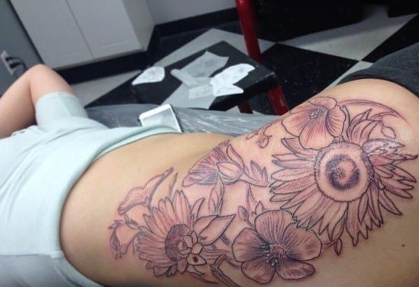 hip_tattoos_22