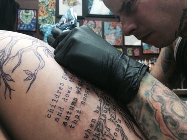 hip_tattoos_94