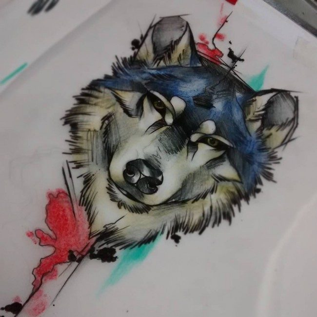 c5eaff93ba1f8 The wolf' claws actually symbolize fearlessness. Hence, if you think that  you are a fearless type of a person, then this art would be a great idea.