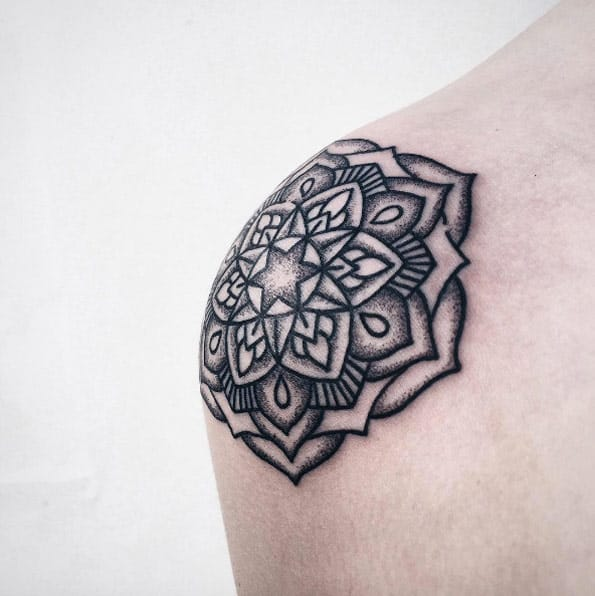 Mandala shoulder cap by Roma Severov
