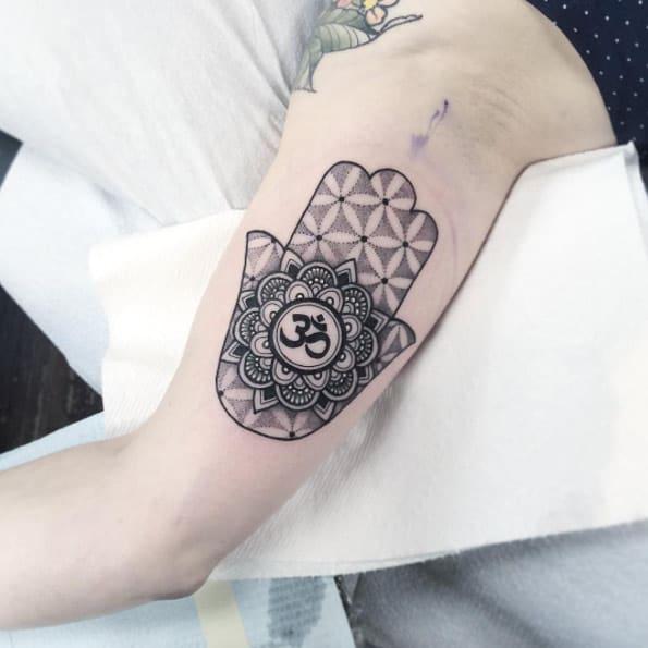 Mandala hamsa hand by Flo Nuttall