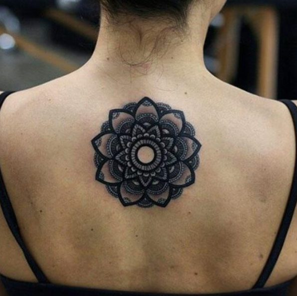 83788d413d133 Ideally, try to opt for an artist who specializes in mandalas or at least  has some experience in this kind of work.