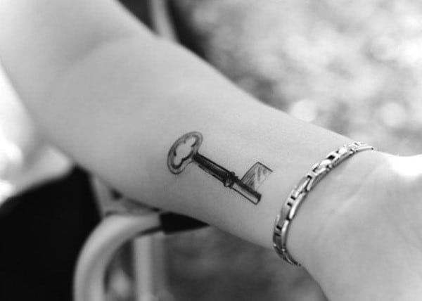 key-tattoo-realistic-inner-arm1