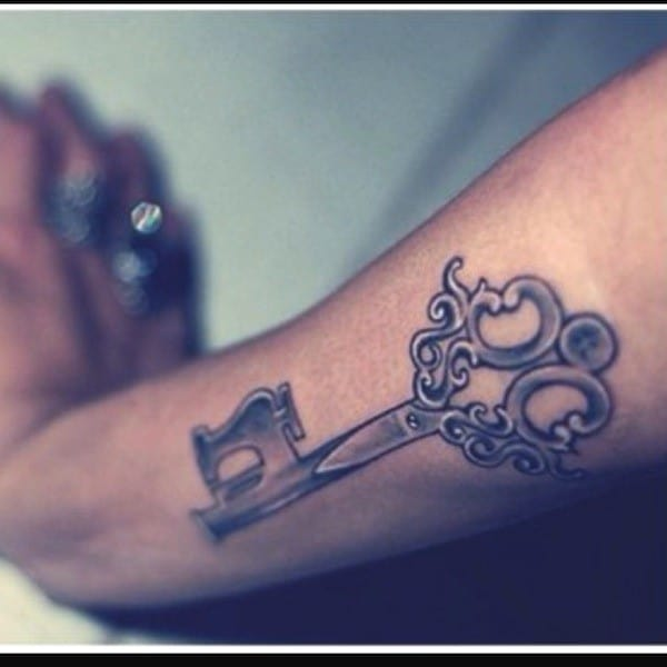 key-tattoo-scissors