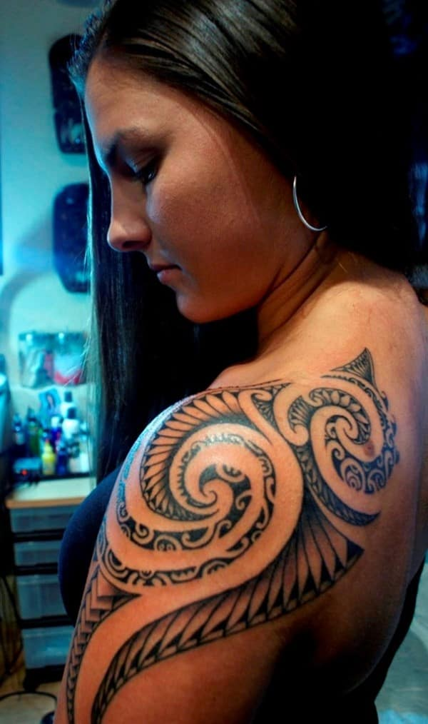 woman-samoan-tattoo