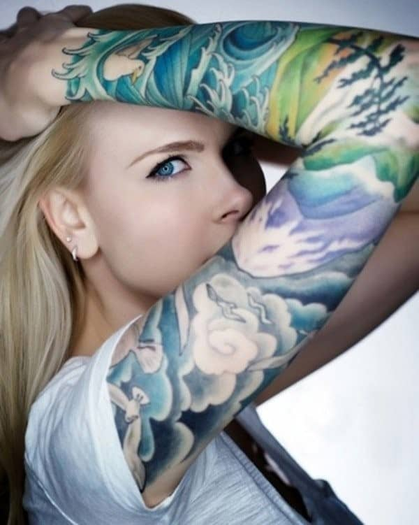 61-cloud-tattooed-women