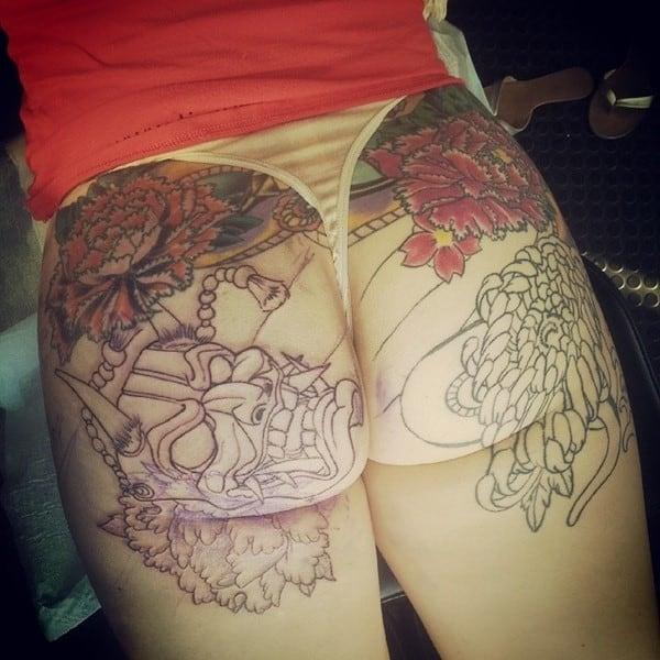 tattooed-butt-girls