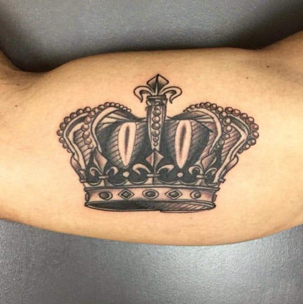 Black and Gray Ink Crown by Luca Testadiferro
