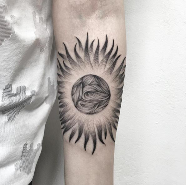 Blackwork Sun Tattoo by Parvick
