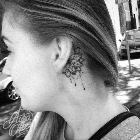 behind-the-ear-tattoo-design-37